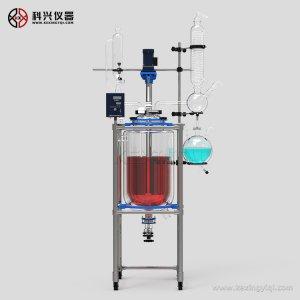 上海玻璃反应釜循环介质进出口的选择